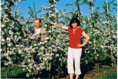 Razem w sadzie jabłoniowym, maj 2010 r.